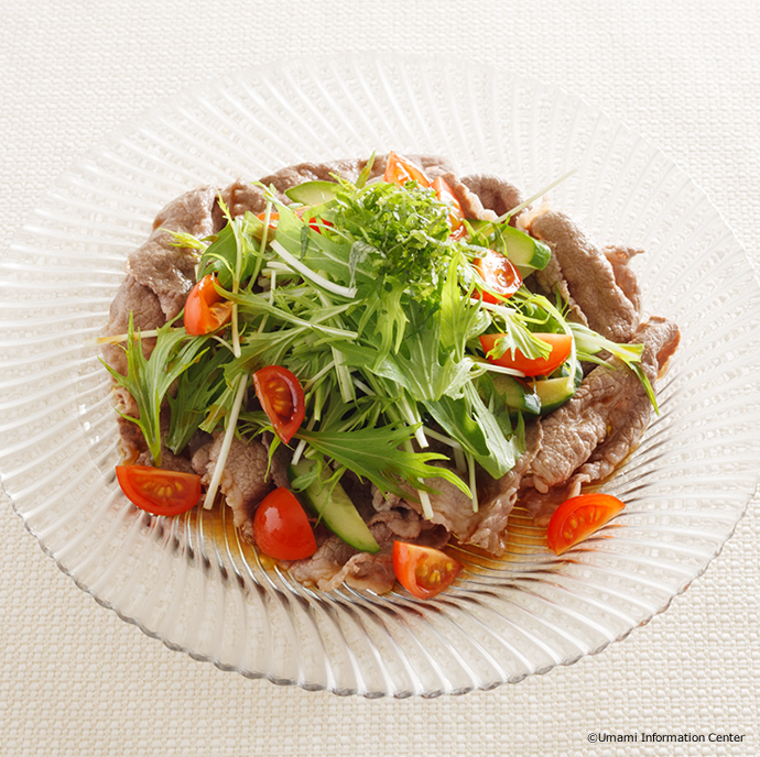 Cold beef salad with tomato oil-free dressing