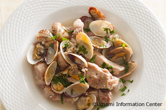 Steamed Pork and Clam with White Wine