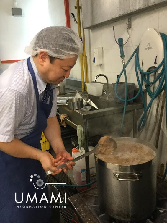 Chef Saiki brew dashi.