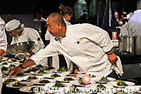 Nobu Matsuhisa preparing his dish