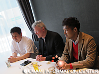 Tripartite Talks of Chef Shimomura, Dr. Mouritsen and Dr. Kawasaki (L→R)